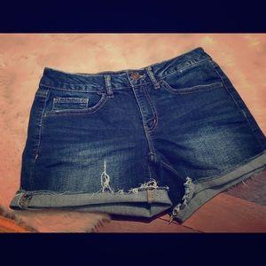Cuffed cut off shorts